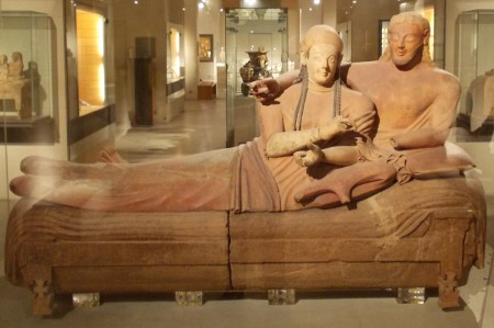 Il sarcofago degli sposi