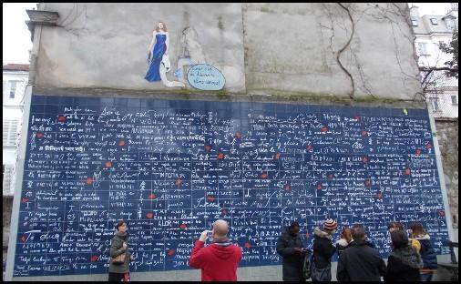 Il muro dei Je T'Aime