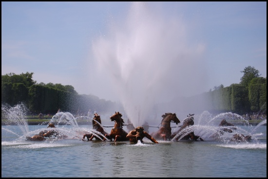 La fontana di Apollo durante lo spettacolo delle fontane musicali