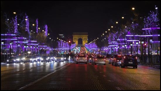 Le luminarie del 2013 sugli Champs Élysées