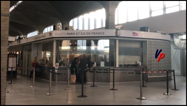 La biglietteria della stazione Aéroport CDG 1