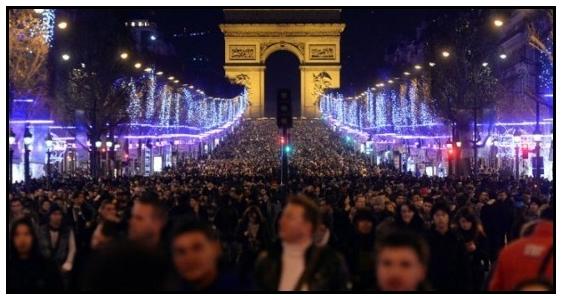 Gli Champs Élysées il 31 dicembre 2013