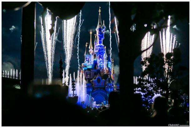 Lo spettacolo di fine serata a Disneyland Paris
