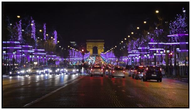 Le luminarie sugli Champs Élysées nel 2013