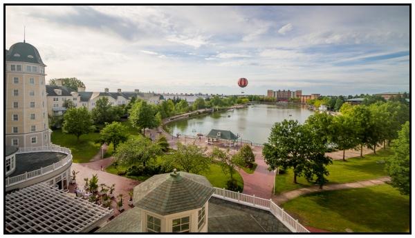 Il panorama sul lago Disney da una camera dell'hotel