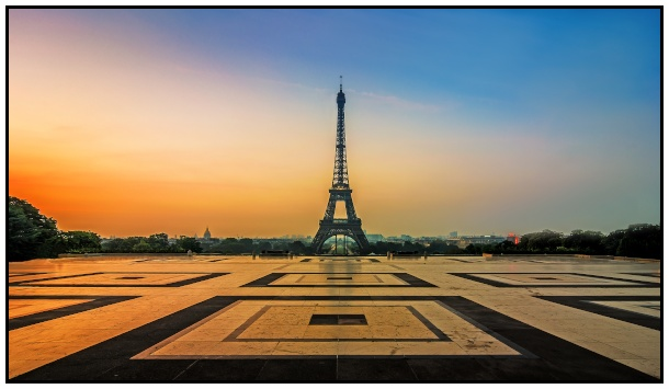La tour Eiffel vista dal Trocadéro all'alba